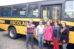 Guaraqueçaba recebe novo ônibus para transporte escolar